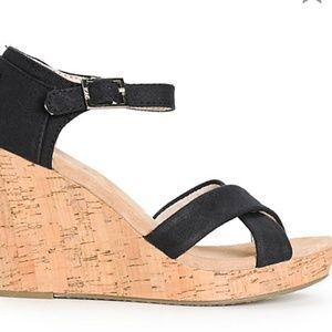 Toms black wedge shoe sandels with cork